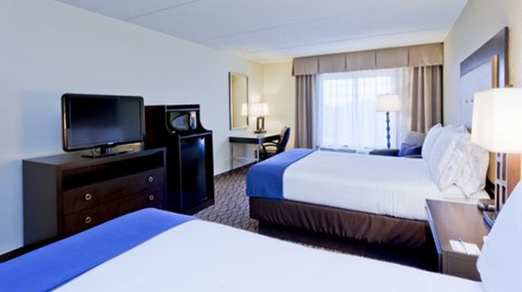 Holiday Inn Express BWI Airport Room