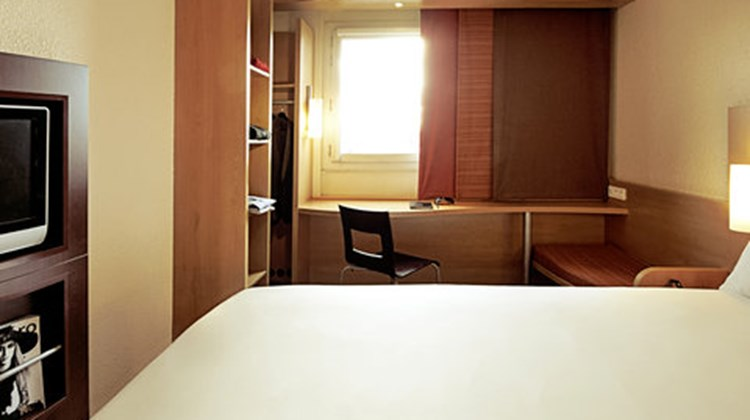Ibis Limoges Centre Room
