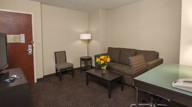 Holiday Inn Express Hotel and Suites Buf Room