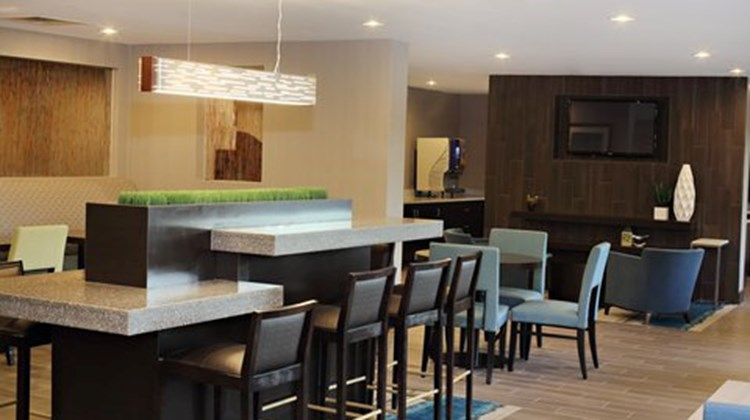 Holiday Inn Express Brentwood South Restaurant