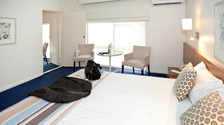 Ibis Styles Swan Hill Resort Room