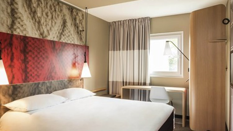Ibis London Docklands Canary Wharf Room