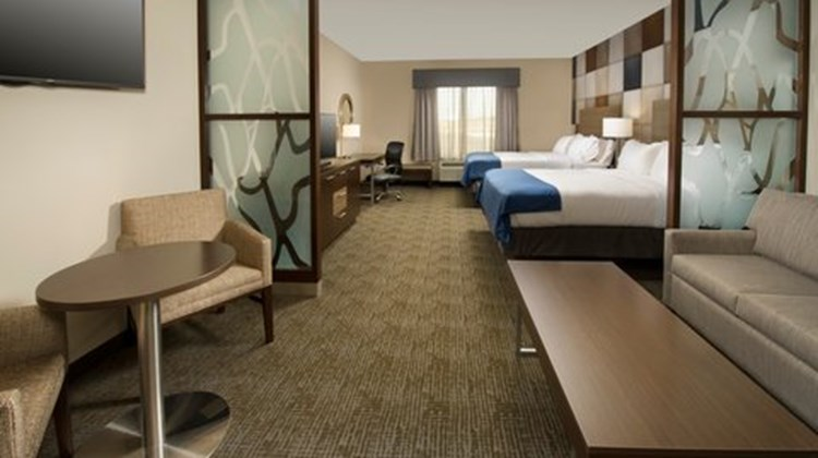 Holiday Inn Express & Stes South Suite