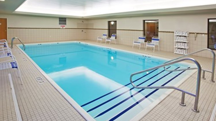 Holiday Inn Express Chesterfield Pool