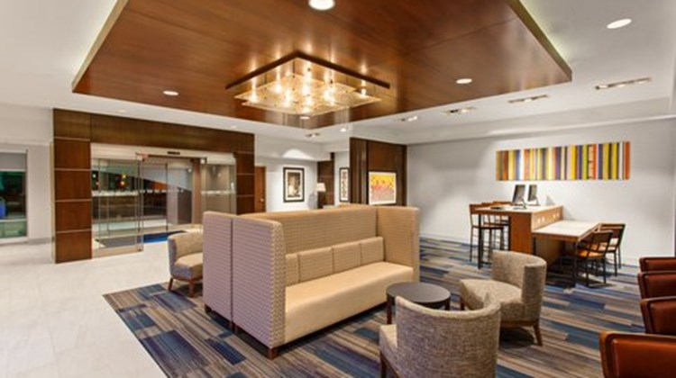 Holiday Inn Express & Suites Houston SW Lobby