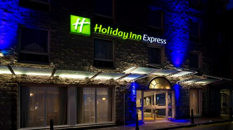 Holiday Inn Express Aberdeen City Centre Exterior