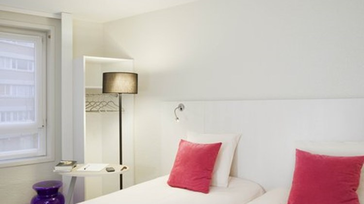 Ibis Styles Lille Centre Gare Beffroi Room