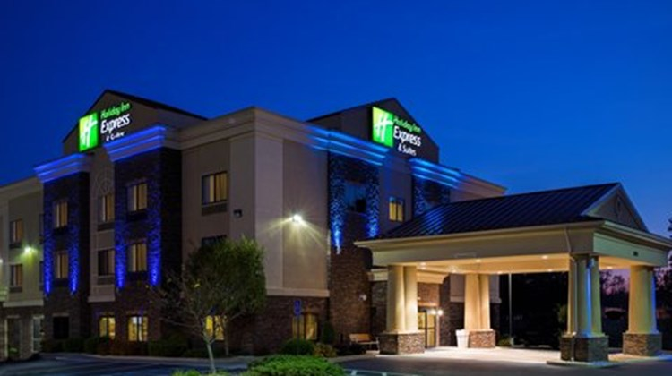 Holiday Inn Express Lewisburg Exterior