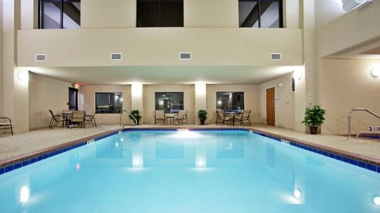 Holiday Inn Express Lewisburg Pool