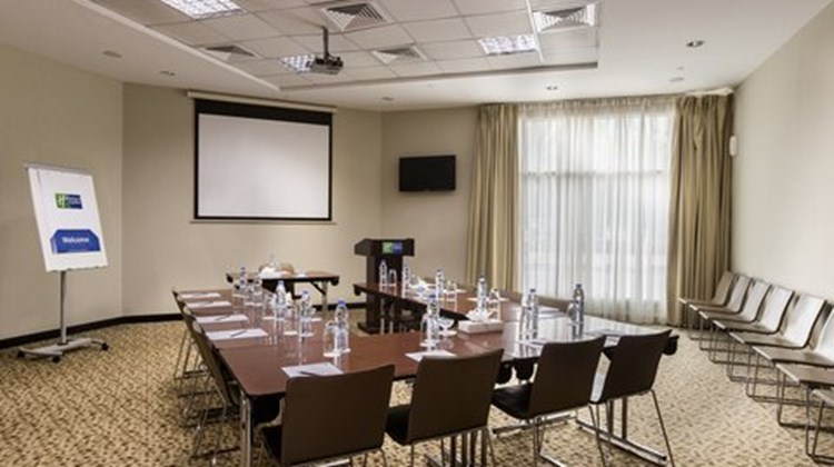 Holiday Inn Express Dubai, Safa Park Meeting