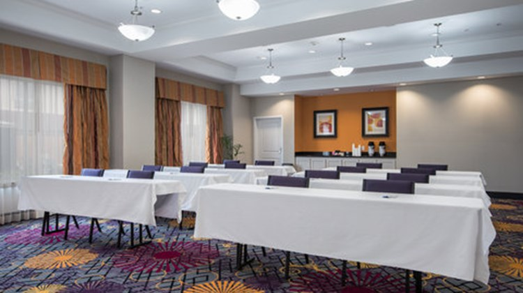 Holiday Inn Express & Suites Clute - Lak Meeting