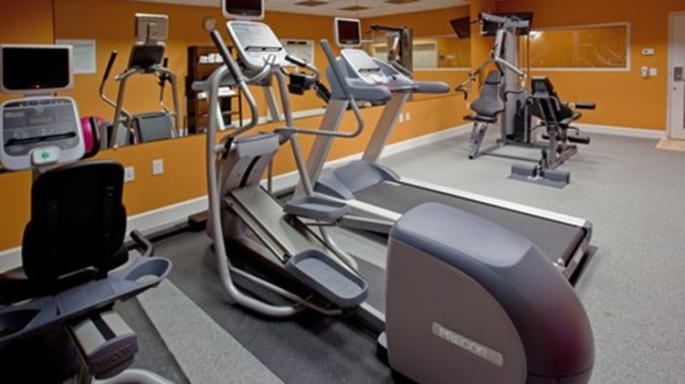 Holiday Inn Express & Suites Clute - Lak Health Club