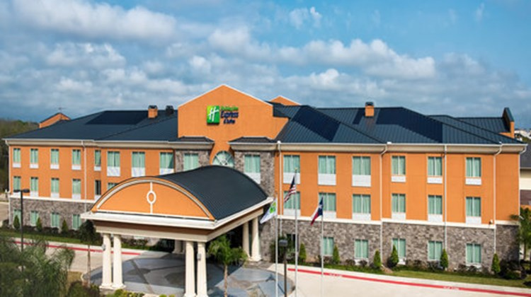 Holiday Inn Express & Suites Clute - Lak Exterior