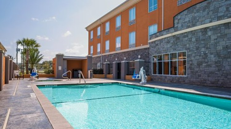 Holiday Inn Express & Suites Clute - Lak Pool