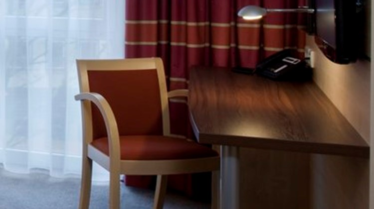 Holiday Inn Express Guetersloh Room