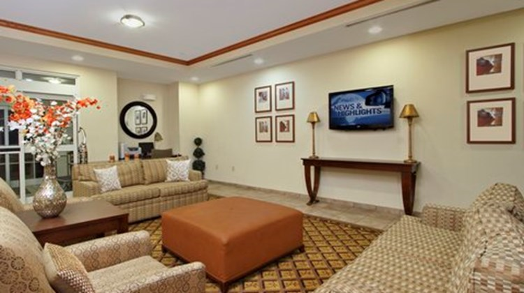 Candlewood Suites Norfolk Airport Lobby