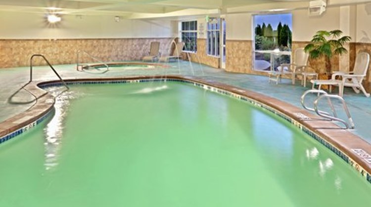Holiday Inn Express & Suites Nampa Pool