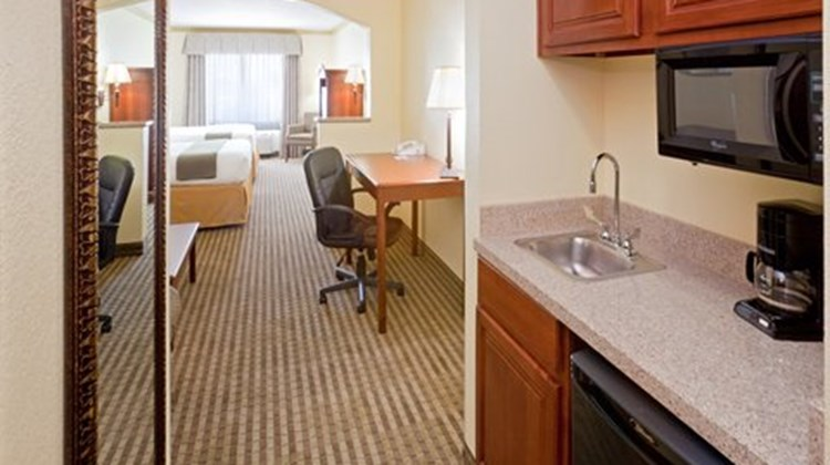 Holiday Inn Express Lake Worth NW Suite