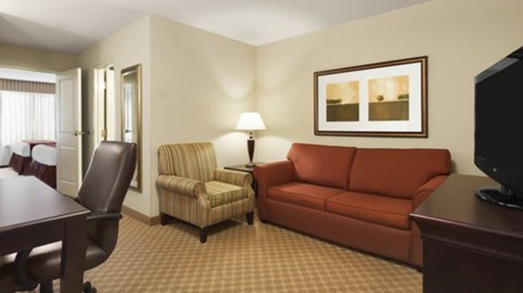 Country Inn & Suites Rock Hill Suite