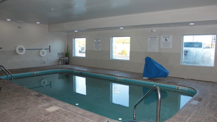 Holiday Inn & Suites, Sweetwater Pool