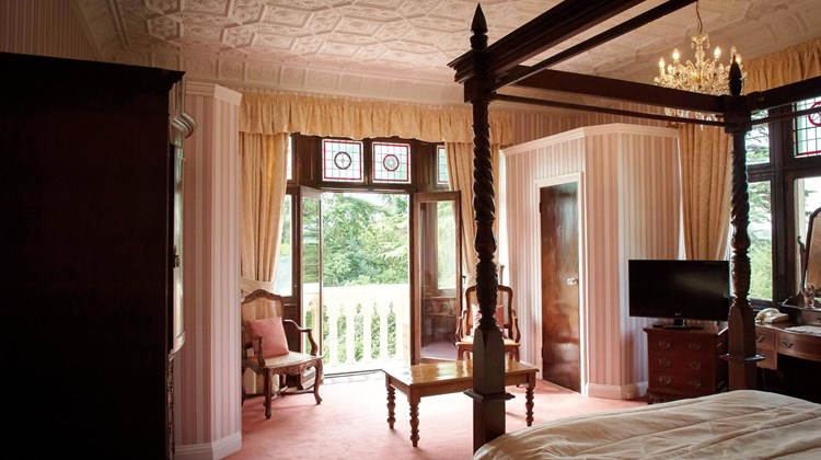 Highley Manor Suite