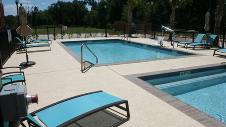 Candlewood Suites College Station Pool