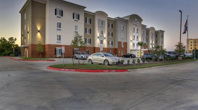 Candlewood Suites College Station Exterior