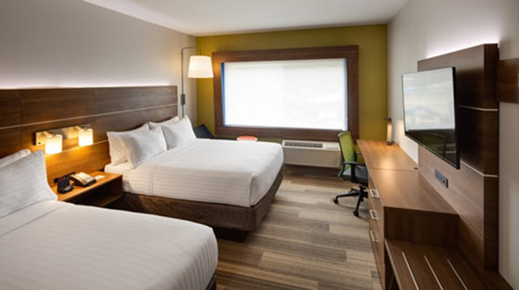 Holiday Inn Express & Suites Terrace Room
