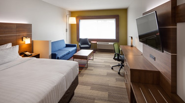 Holiday Inn Express & Suites Terrace Suite