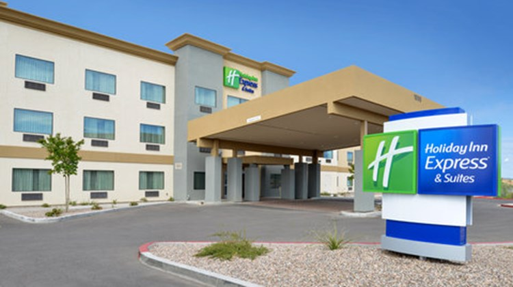 Holiday Inn Express & Suites Globe Exterior