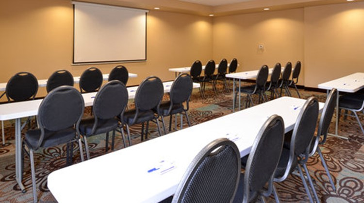Holiday Inn Express & Suites Globe Meeting