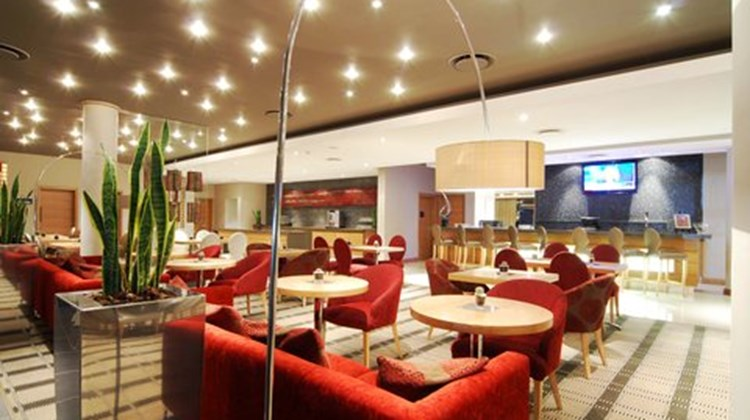Holiday Inn Express Sandton-Woodmead Lobby