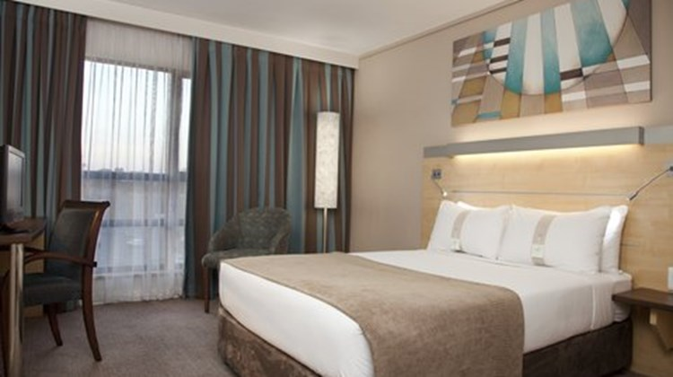 Holiday Inn Express Sandton-Woodmead Room