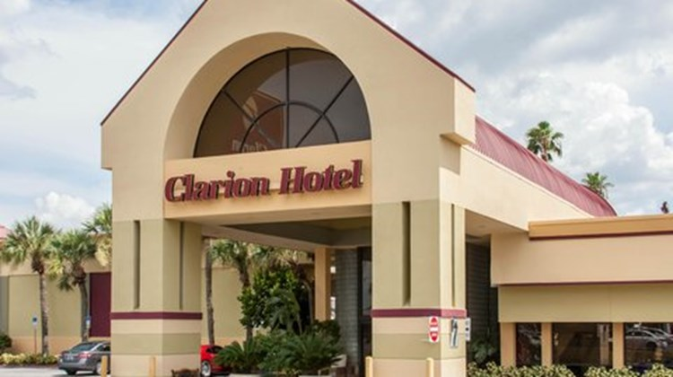 Clarion Hotel & Conference Center Exterior