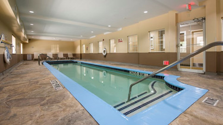 Candlewood Suites Medical Center Pool