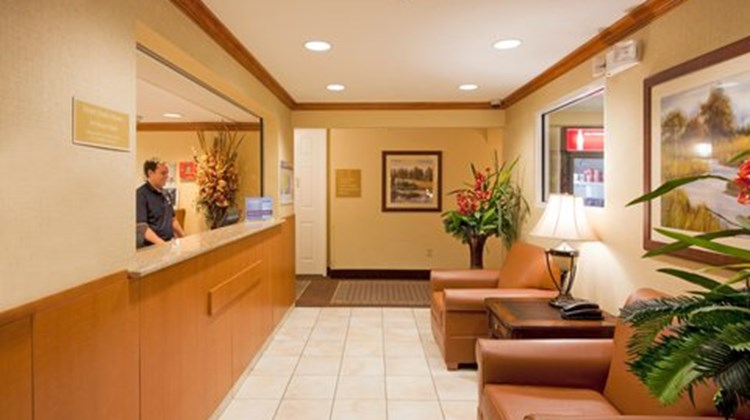 Candlewood Suites Fort Lauderdale Lobby