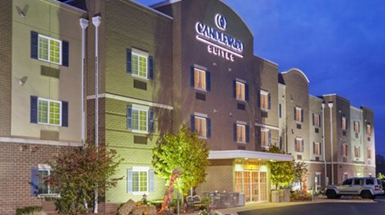 Candlewood Suites Milwaukee Airport Exterior