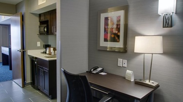 Holiday Inn Express & Suites Sidney Suite