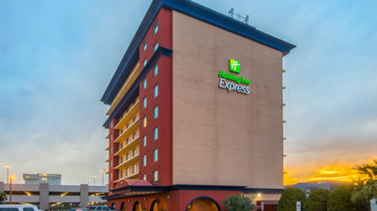 Holiday Inn Express El Paso-Central Exterior