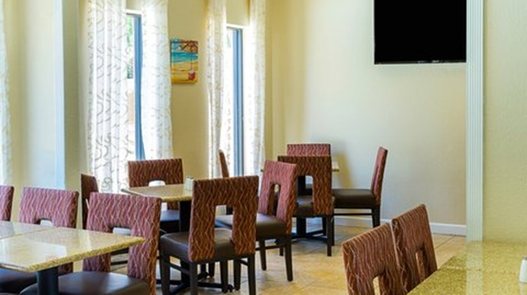 Quality Inn & Suites Destin Restaurant