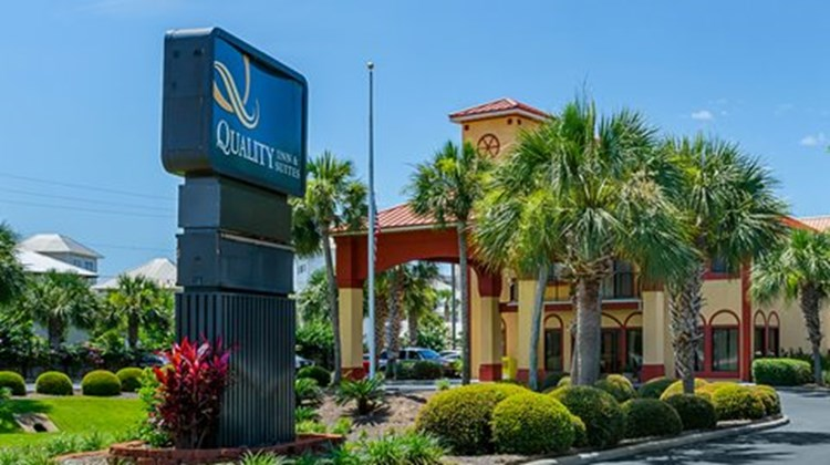 Quality Inn & Suites Destin Exterior