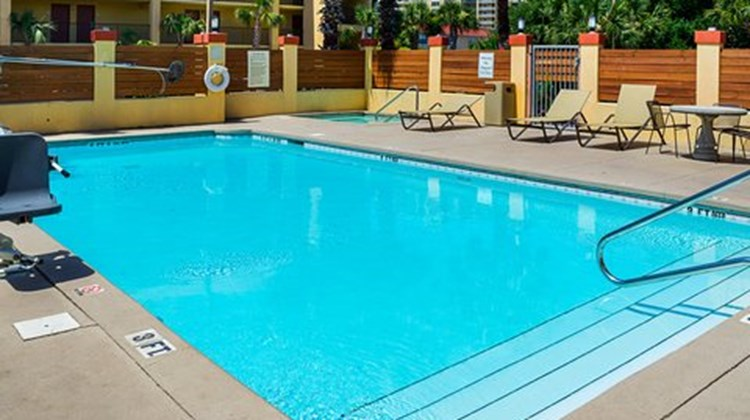 Quality Inn & Suites Destin Pool
