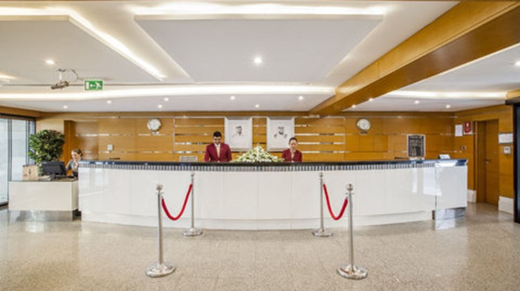 Golden Sands Hotel Apartments Lobby