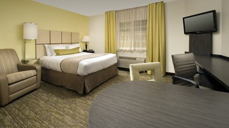 Candlewood Suites Richmond South Room
