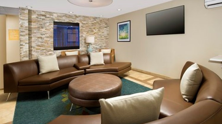 Candlewood Suites Richmond South Lobby
