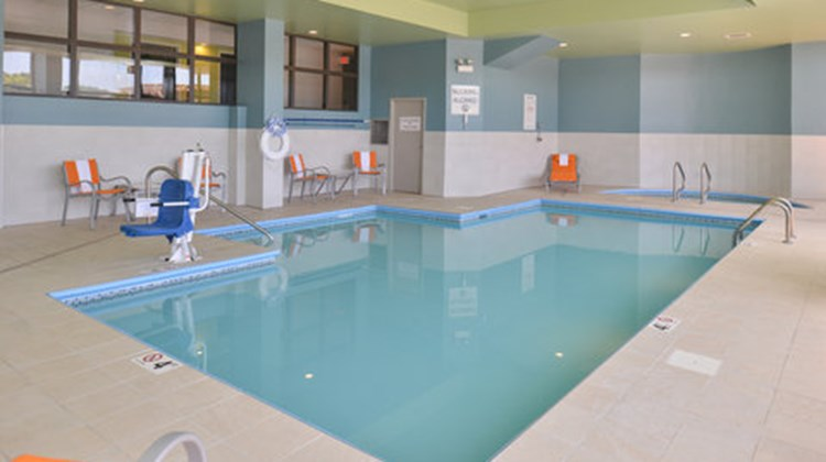 Holiday Inn Express Omaha West - 90th St Pool