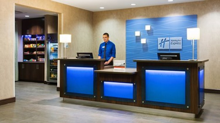 Holiday Inn Express & Suites Midland Lobby