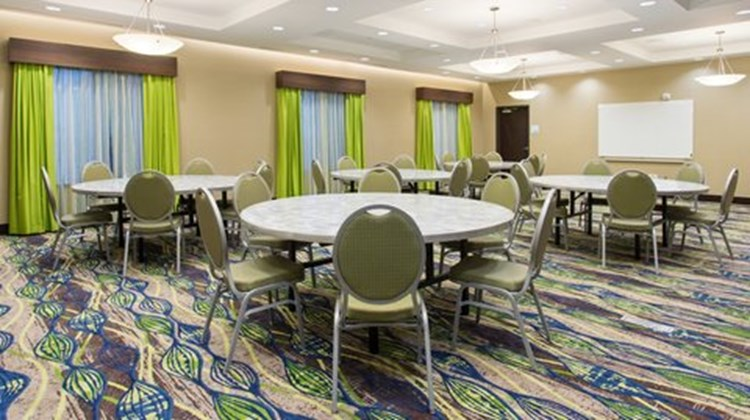 Holiday Inn Express & Suites Midland Meeting