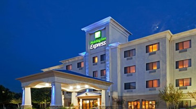 Holiday Inn Express Hotel & Suites SW Exterior