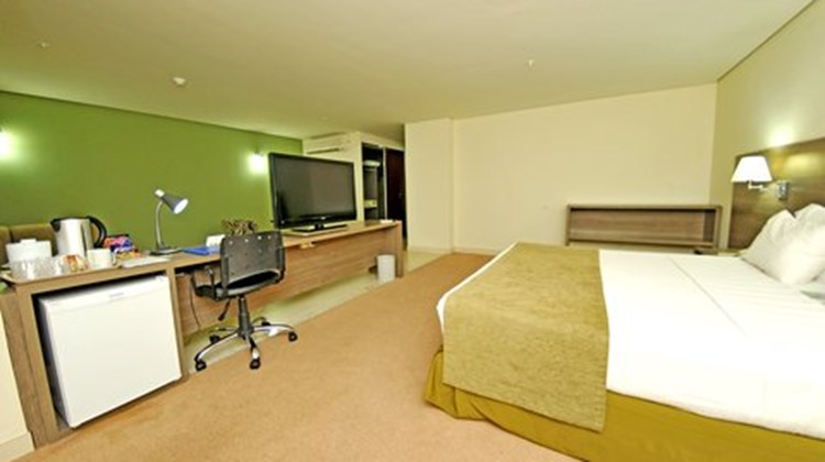 Holiday Inn Express Cuiaba Suite